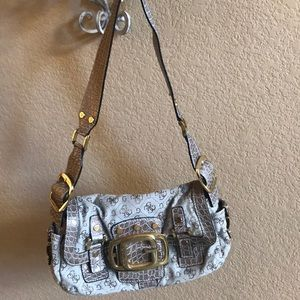 Guess Purse with Adjustable Strap. Super clean.